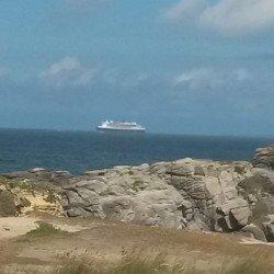 The Queen Mary au large de Portivy