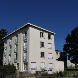 Saint-Pierre-Quiberon. Le sous-préfet répond au projet de cession de deux immeubles
