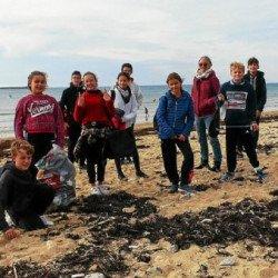 La pédagogie sur le terrain avec « Les mains dans le sable » à Saint-Pierre-Quiberon